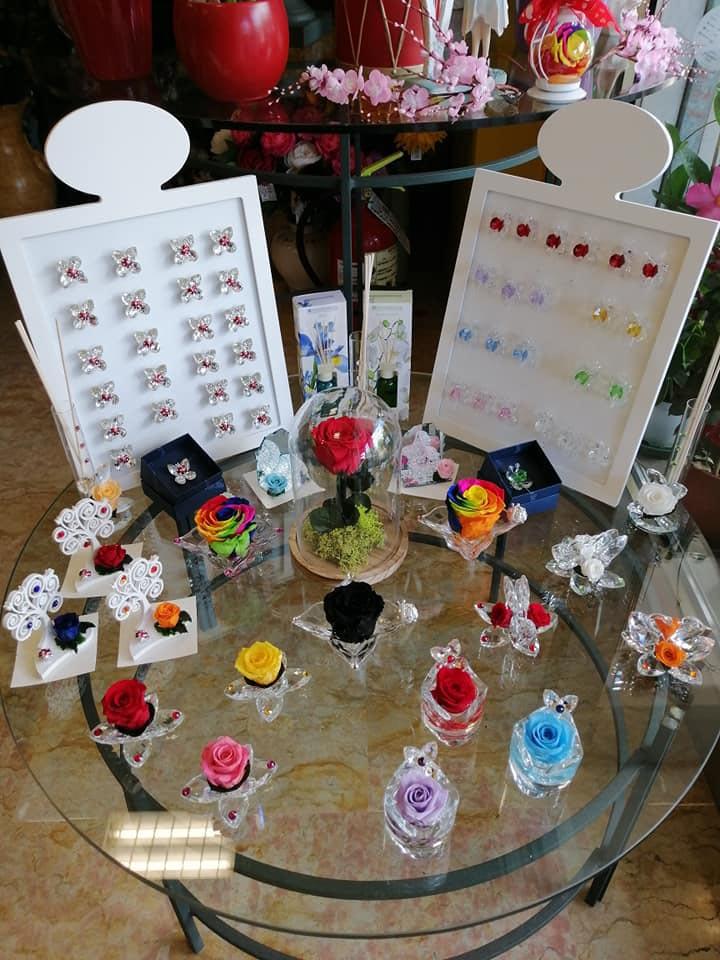 rose stabilizzate - Fiorista show room Magda a Castelnuovo Rangone